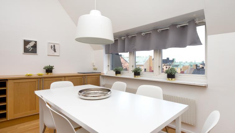 Dining table at Vasastan Apartments - Citybase Apartments