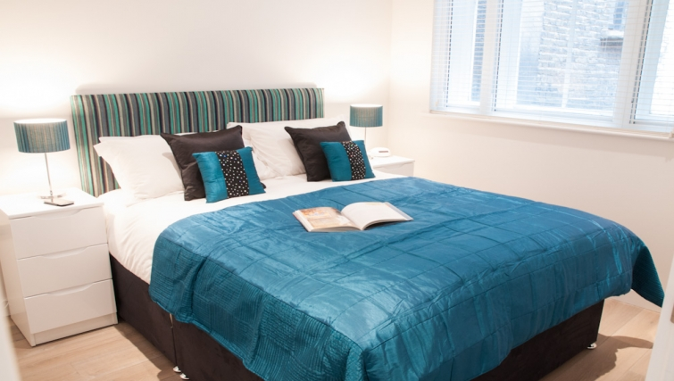 Bedroom at Clarendon Chandos Place - Citybase Apartments