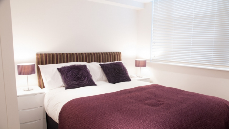 Double bedroom at Clarendon Chandos Place - Citybase Apartments