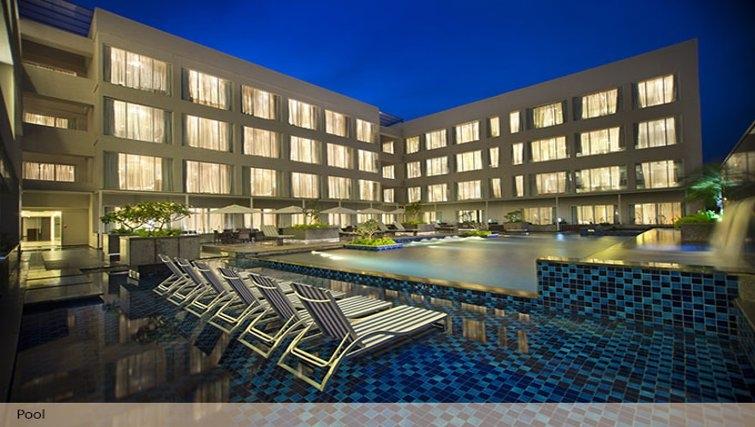 Spectacular exterior of Oakwood Residence Prestige Whitefield Bangalore - Citybase Apartments
