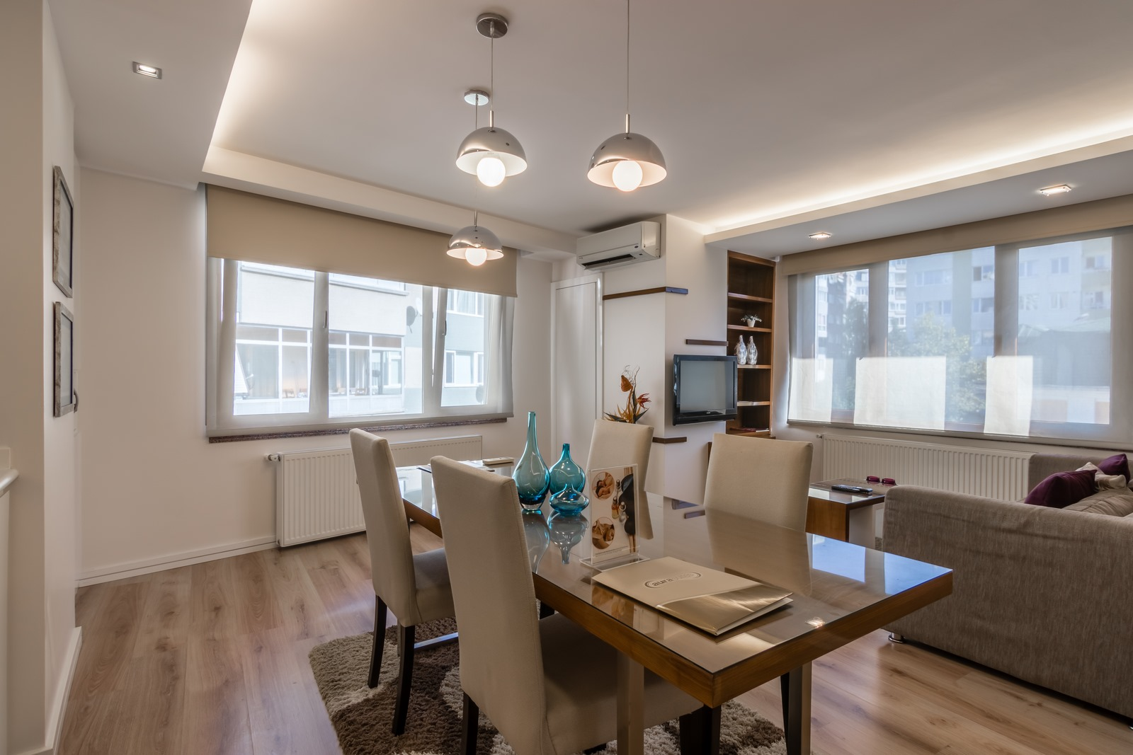 Dining area at Aura Suites - Citybase Apartments