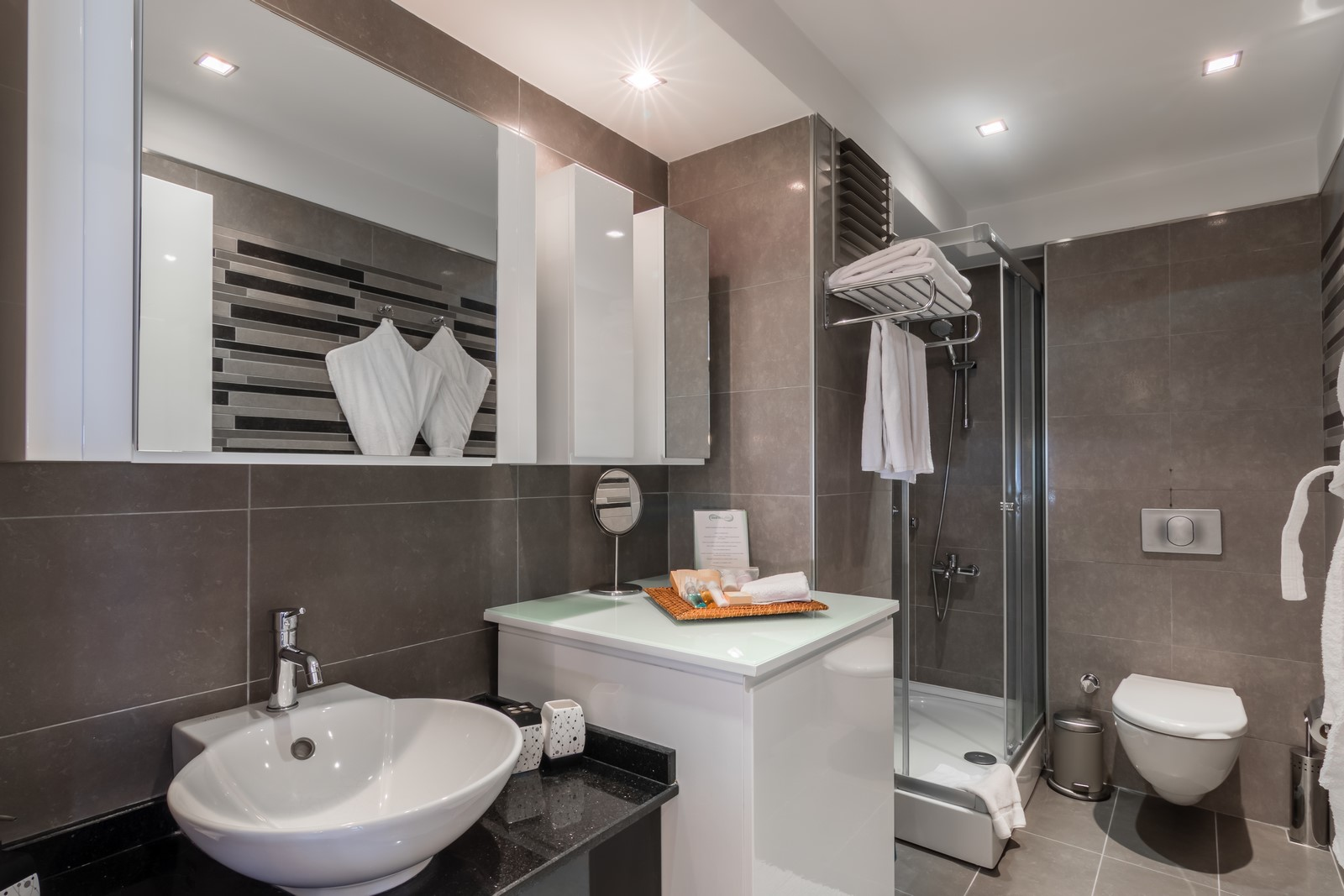 Bathroom at Aura Suites - Citybase Apartments