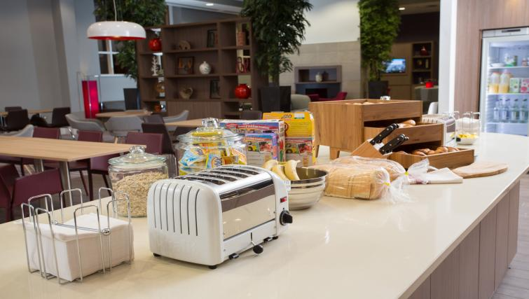 Breakfast counter at Staybridge Suites Birmingham - Citybase Apartments