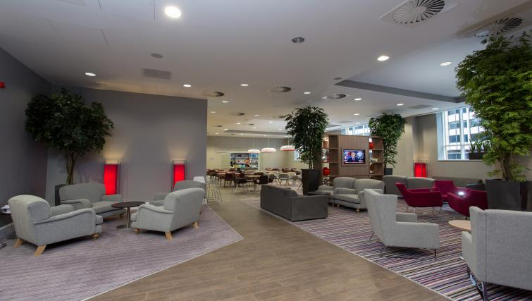 Spacious communal lounge at Staybridge Suites Birmingham - Citybase Apartments
