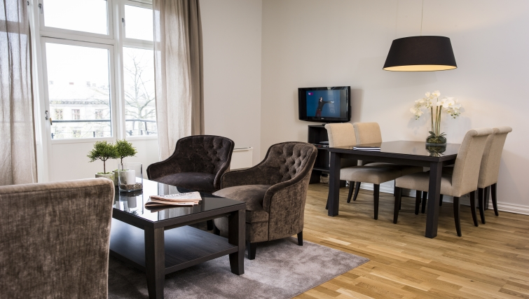 Luxurious living area in Frydenlundgata Apartments - Citybase Apartments