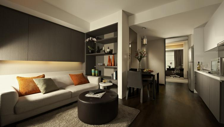 Living area at Pan Pacific Serviced Suites Orchard, Singapore - Citybase Apartments