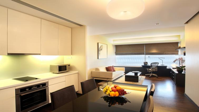 Dining space at Pan Pacific Serviced Suites Orchard, Singapore - Citybase Apartments