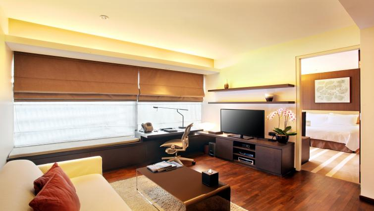 Living space at Pan Pacific Serviced Suites Orchard, Singapore - Citybase Apartments
