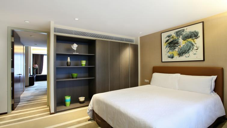 Comfy bed at Pan Pacific Serviced Suites Orchard, Singapore - Citybase Apartments