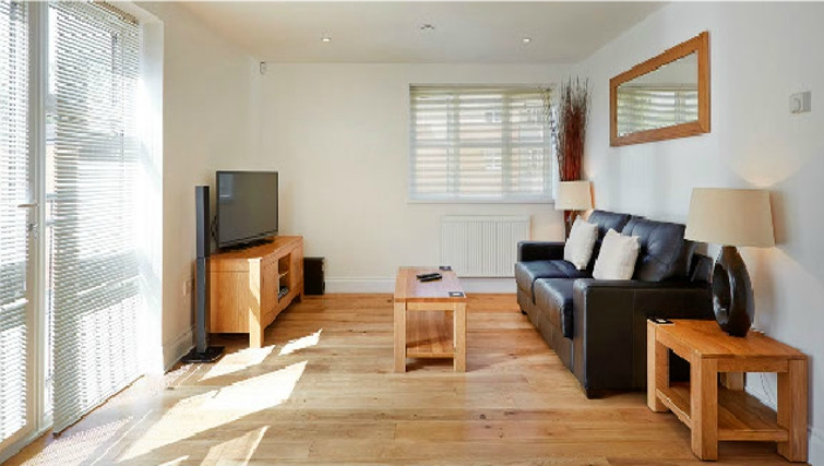 Spacious living area in Hendry Court Apartments - Citybase Apartments