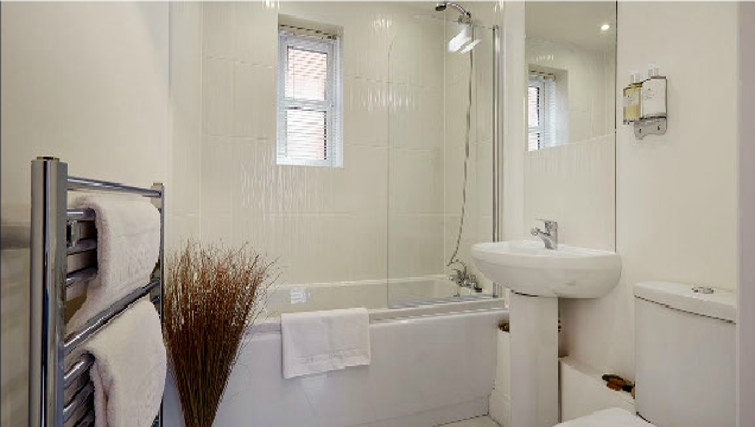 Spectacular bathroom in Hendry Court Apartments - Citybase Apartments