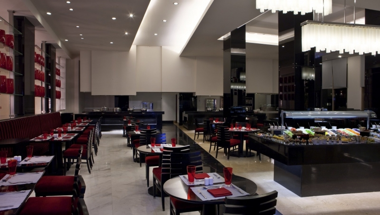 Delightful restaurant at Dusit Thani LakeView Cairo Apartments - Citybase Apartments