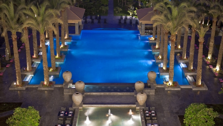 Incredible pool at Dusit Thani LakeView Cairo Apartments - Citybase Apartments