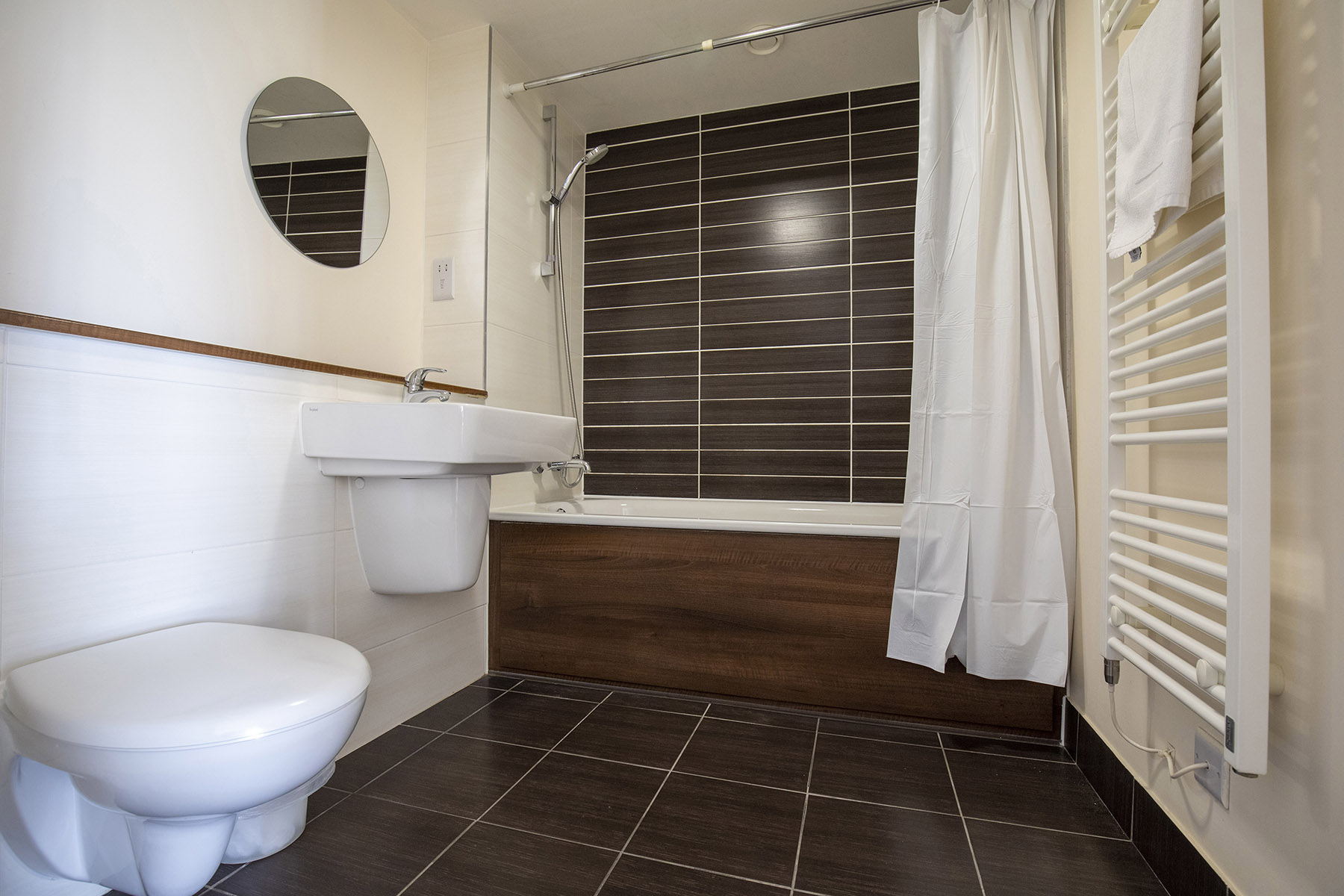 WC at Flexi-Let Skyline Plaza Apartments, Centre, Basingstoke - Citybase Apartments