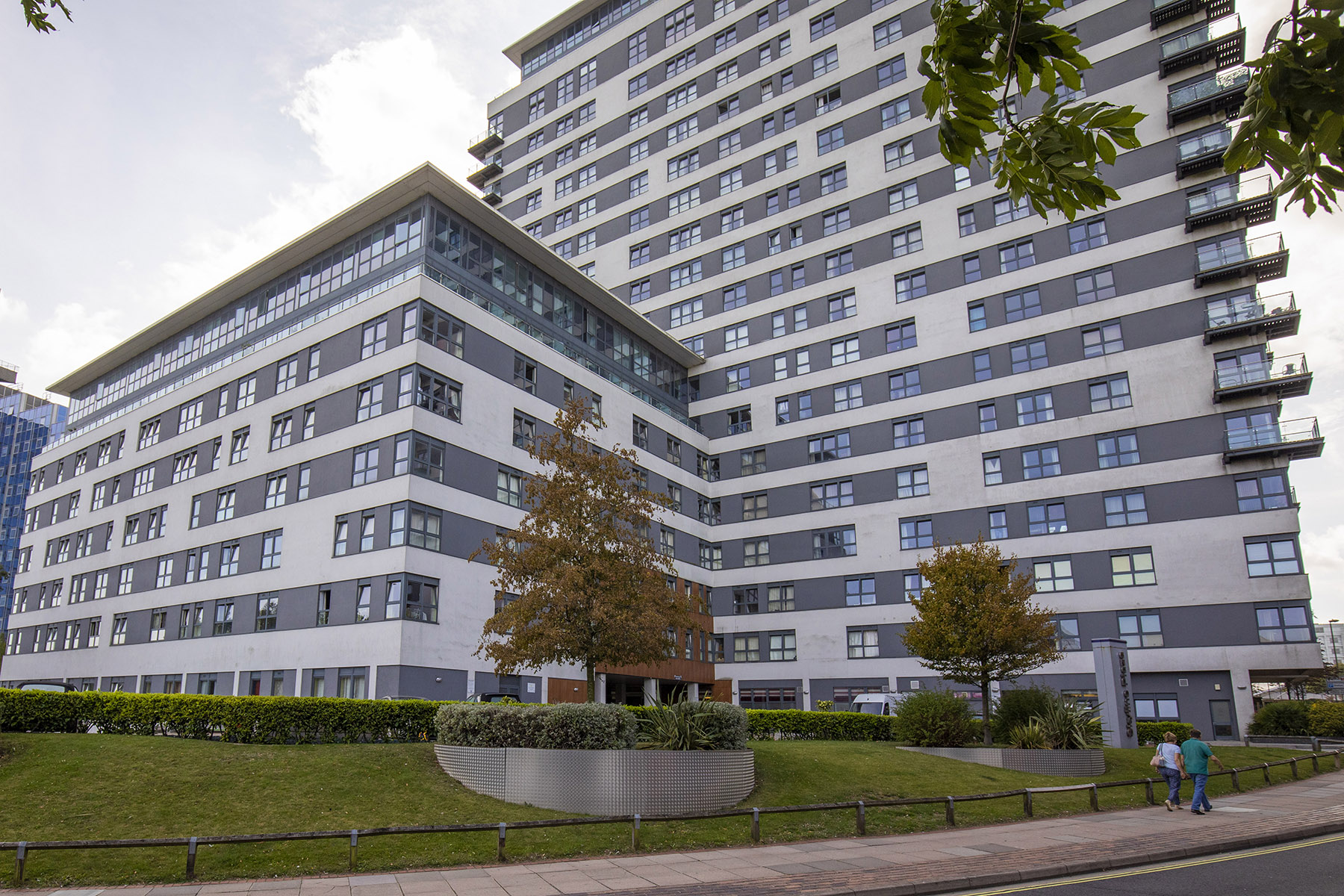 Exterior at Flexi-Let Skyline Plaza Apartments, Centre, Basingstoke - Citybase Apartments