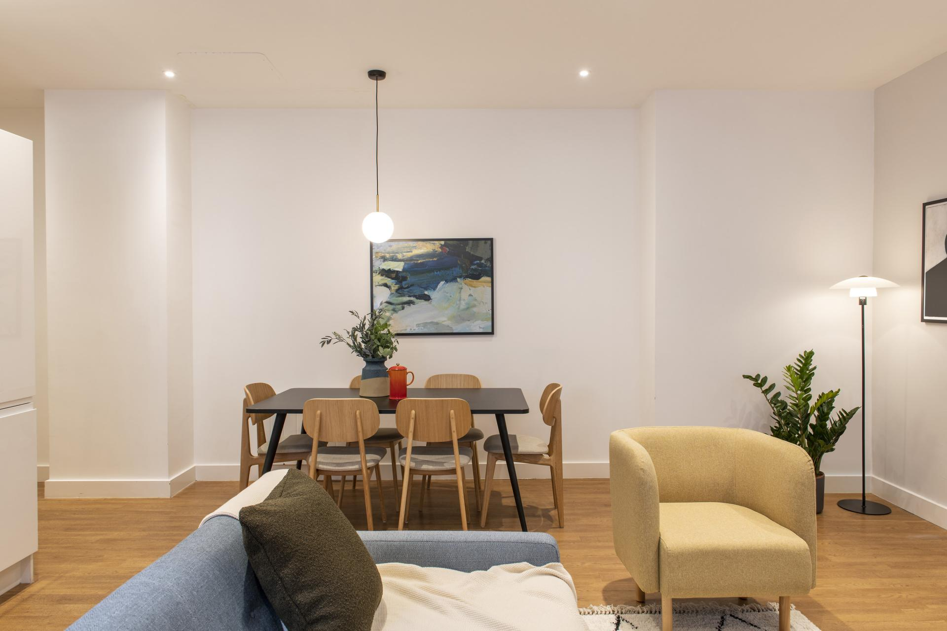dining area at Cove Minshull Street, Piccadilly, Manchester - Citybase Apartments