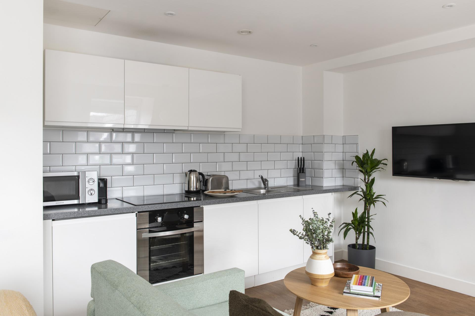 Equipped kitchen at Cove Minshull Street, Piccadilly, Manchester - Citybase Apartments