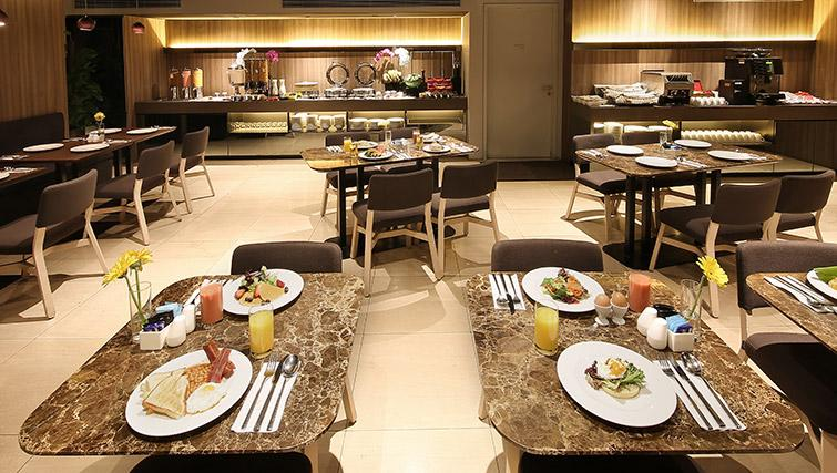 Pacific lounge at Pan Pacific Serviced Suites Beach Road, Singapore - Citybase Apartments