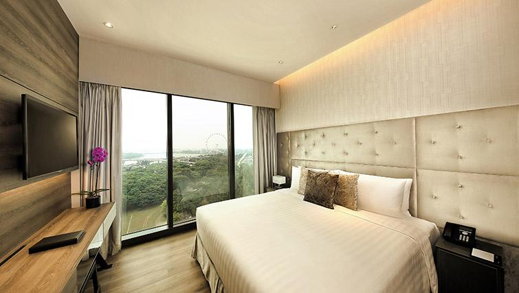 Master bedroom at Pan Pacific Serviced Suites Beach Road, Singapore - Citybase Apartments