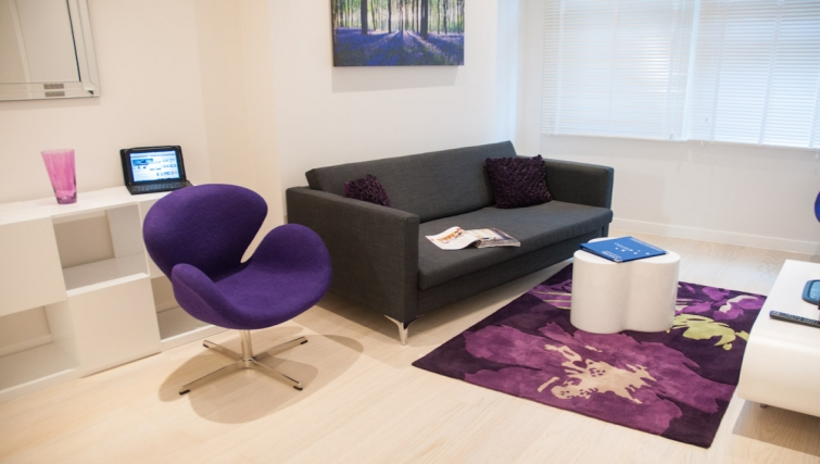 Vibrant living area at Clarendon West Street - Citybase Apartments