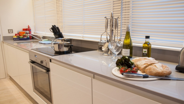 Contemporary kitchen at Clarendon West Street - Citybase Apartments