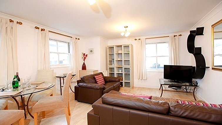 Luxurious living area in Packington Place Apartments - Citybase Apartments