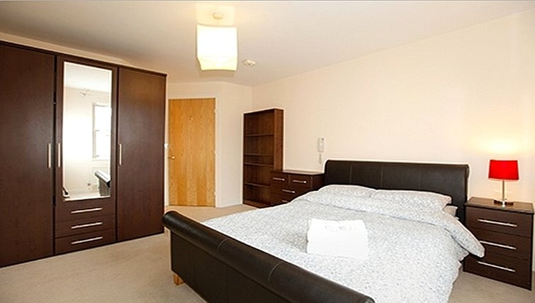 Modern bedroom in Packington Place Apartments - Citybase Apartments