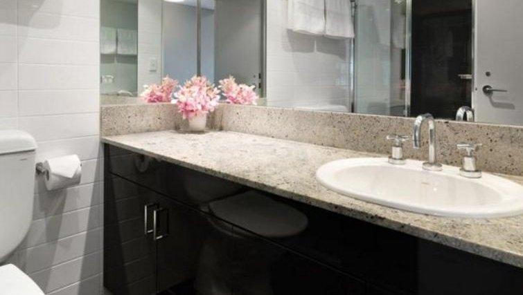 Executive bathroom at Adina Apartment Hotel Sydney, Surry Hills - Citybase Apartments