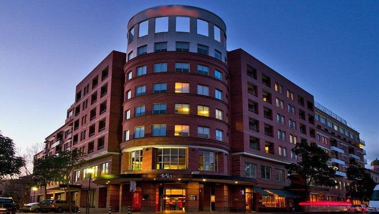 Attractive exterior of Adina Apartment Hotel Sydney, Surry Hills - Citybase Apartments