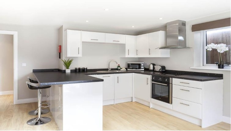 Desirable kitchen in Saracens Court Apartments - Citybase Apartments