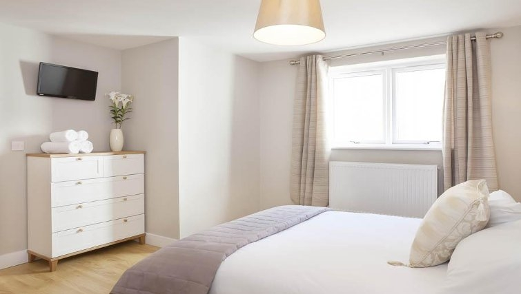 Gorgeous bedroom in Saracens Court Apartments - Citybase Apartments