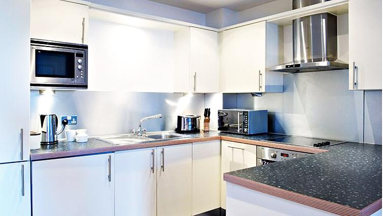 State-of-the-art kitchen in Brewhouse Yard Apartments - Citybase Apartments