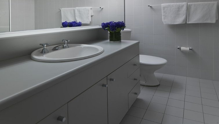 Classic bathroom at Medina Serviced Apartments North Ryde - Citybase Apartments