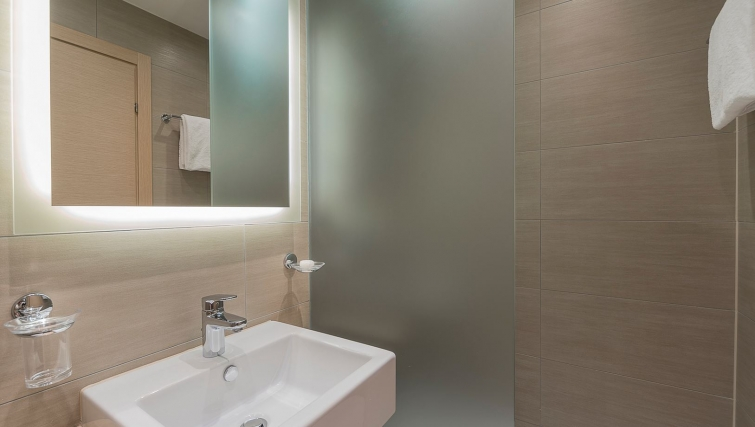 Attractive bathroom in Starling Residence - Citybase Apartments