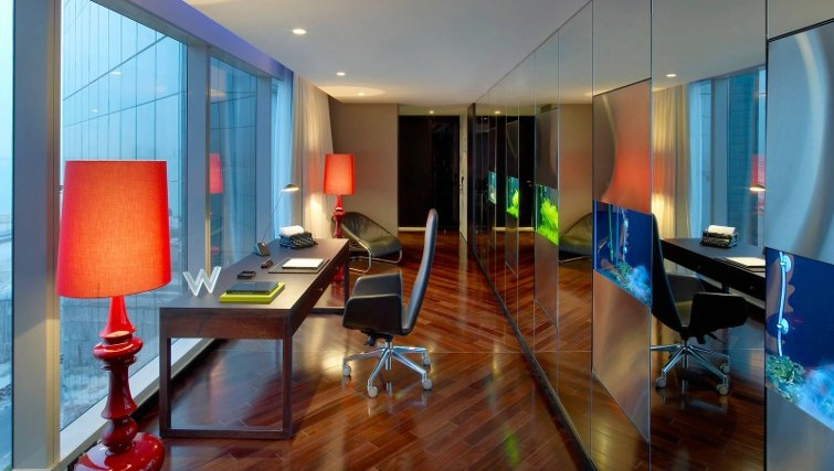 Sophisticated study area in W Doha Hotel & Residences - Citybase Apartments