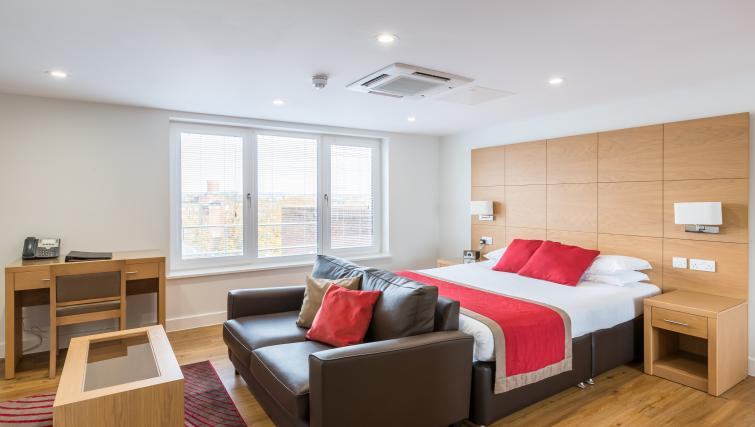 Studio suite at the 100 Kings Road Apartments - Citybase Apartments