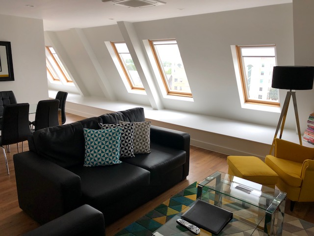 Bright lounge at 100 Kings Road Apartments - Citybase Apartments