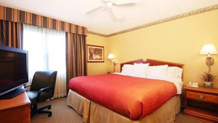 Cosy bedroom in Homewood Suites Boston Peabody - Citybase Apartments