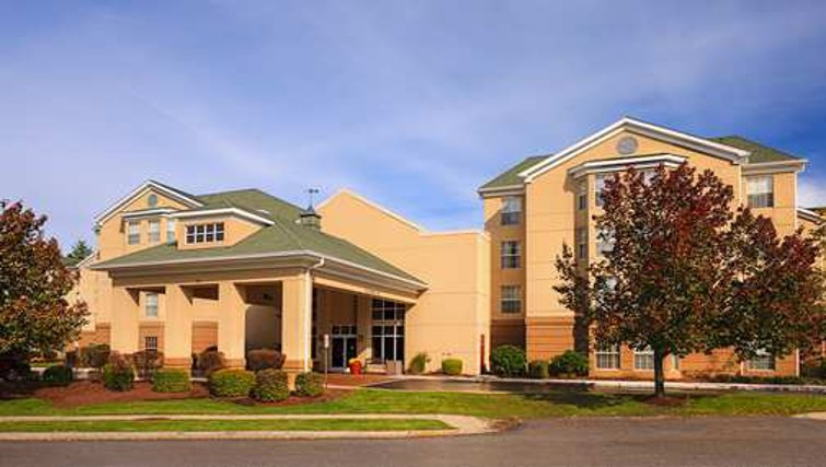 Grand exterior of Homewood Suites Boston Billerica - Citybase Apartments