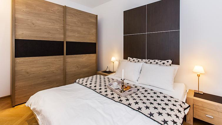 Tranquil bedroom in Eidmatt Apartments - Citybase Apartments