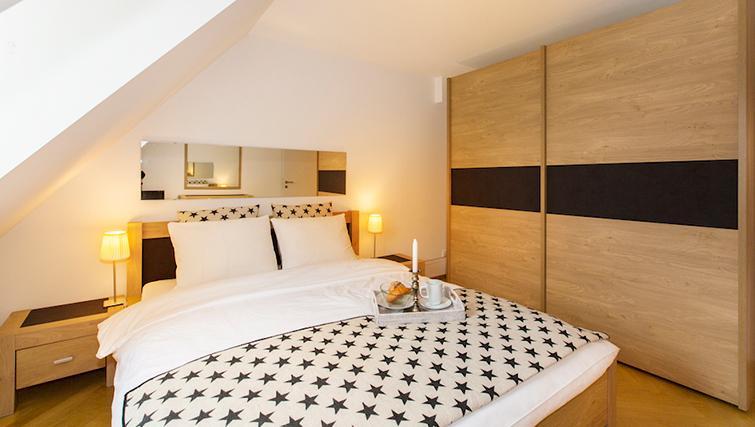 Spacious bedroom at Eidmatt Apartments - Citybase Apartments