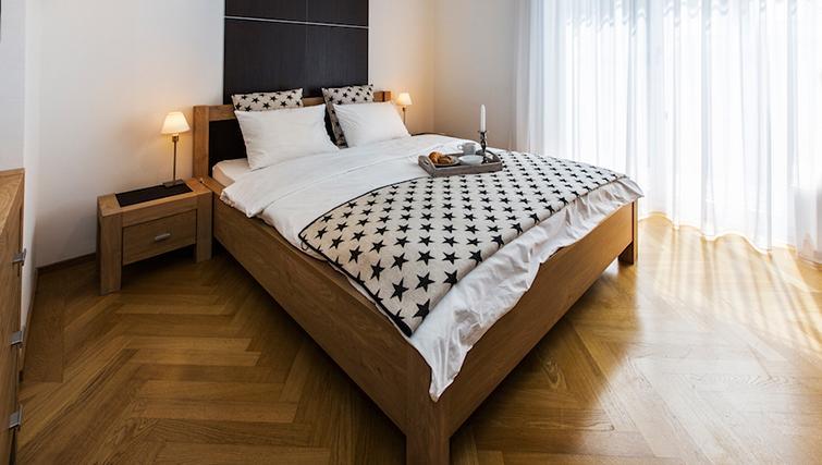Double bed at Eidmatt Apartments - Citybase Apartments