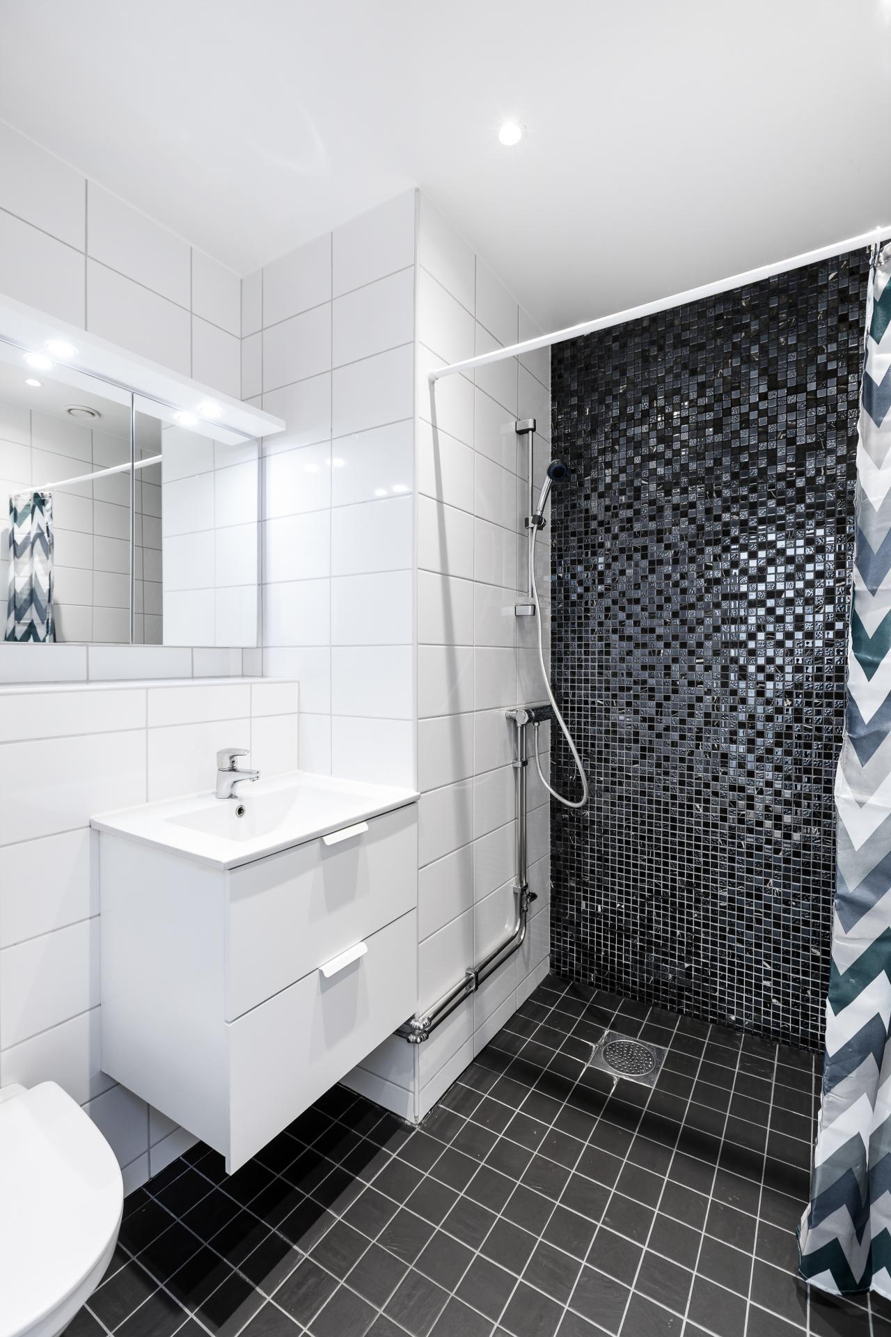 Bathroom at Rörstrandsgatan Apartments, Vasastan, Stockholm - Citybase Apartments