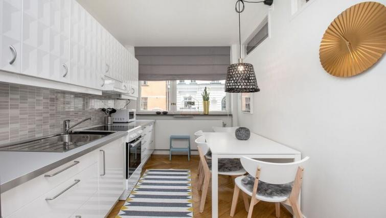 Equipped kitchen at Grevgatan Apartments - Citybase Apartments