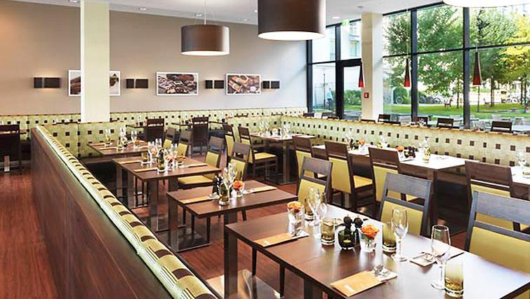 Restaurant at Residence Inn Munich City East - Citybase Apartments