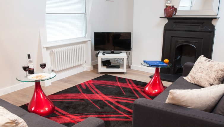 Cosy living area at Clarendon Berwick Street - Citybase Apartments