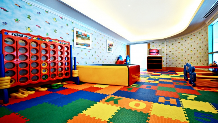 Colourful kids club in Marriot Executive Apartments Mayfair - Bangkok - Citybase Apartments