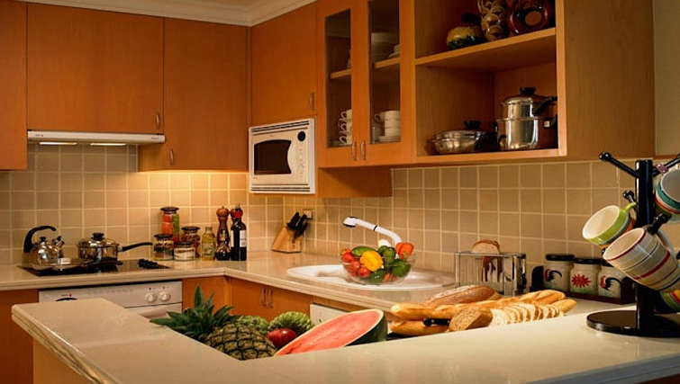 Well equipped kitchen in Marriot Executive Apartments Mayfair - Bangkok - Citybase Apartments