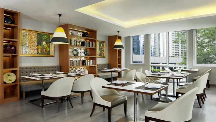 Restaurant at Marriot Executive Apartments Mayfair - Bangkok - Citybase Apartments