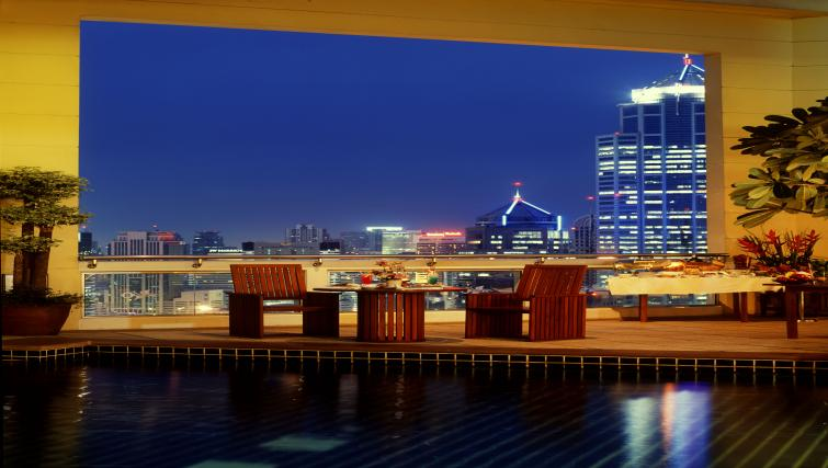 Bar at Marriot Executive Apartments Mayfair - Bangkok - Citybase Apartments